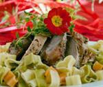 Walentynkowa kolacja - polędwiczki z makaronem w serduszka