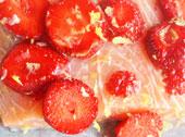 Pieczony łosoś z truskawkami