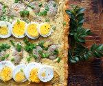 Wielkanocna tarta z białą kiełbasą