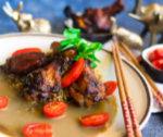 Skrzydełka z kurczaka z ryżem w sosie curry