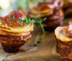 Pieczone ziemniaki z boczkiem i kiełbasą
